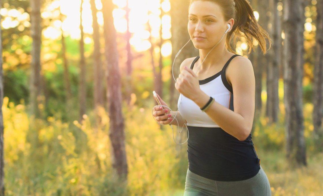 La course à pied est un bon exercice pour pedre du ventre